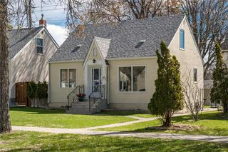 Main Photo: 292 Renfrew Street in Winnipeg: River Heights Residential for sale (1C)  : MLS®# 202010830