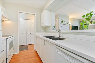 Photo 9: 104 1270 Johnson St in Victoria: Vi Downtown Condo Apartment for sale : MLS®# 844658