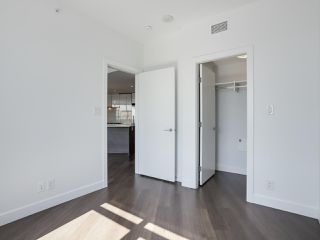 Photo 10: 811 3557 SAWMILL CRESCENT in Vancouver: South Marine Condo for sale (Vancouver East)  : MLS®# R2514341