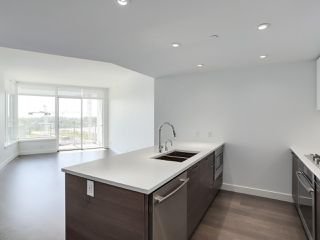 Photo 7: 811 3557 SAWMILL CRESCENT in Vancouver: South Marine Condo for sale (Vancouver East)  : MLS®# R2514341