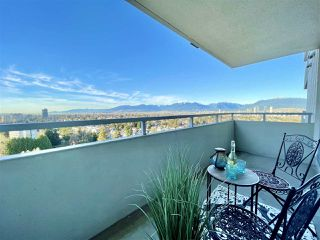 """Photo 7: 1703 4160 SARDIS Street in Burnaby: Central Park BS Condo for sale in """"Central Park Plaza"""" (Burnaby South)  : MLS®# R2522337"""