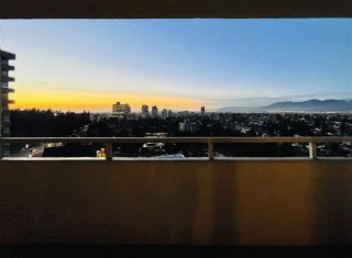 """Photo 2: 1703 4160 SARDIS Street in Burnaby: Central Park BS Condo for sale in """"Central Park Plaza"""" (Burnaby South)  : MLS®# R2522337"""