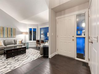 Photo 2: 55 SILVERSTONE Road NW in Calgary: Silver Springs Detached for sale : MLS®# A1058654