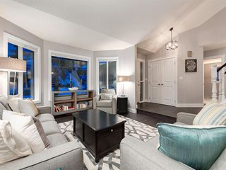 Photo 4: 55 SILVERSTONE Road NW in Calgary: Silver Springs Detached for sale : MLS®# A1058654