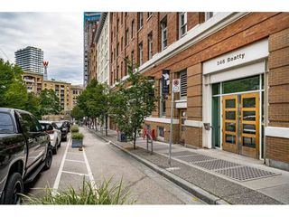 """Photo 3: 503 546 BEATTY Street in Vancouver: Downtown VW Condo for sale in """"THE CRANE"""" (Vancouver West)  : MLS®# R2528075"""