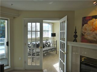 "Photo 3: 212 2105 W 42ND Avenue in Vancouver: Kerrisdale Condo for sale in ""BROWNSTONE"" (Vancouver West)  : MLS®# V971377"
