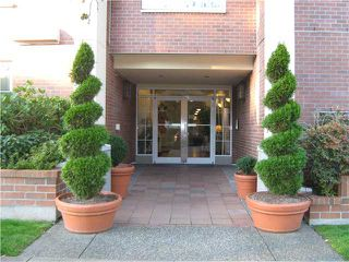 "Photo 8: 212 2105 W 42ND Avenue in Vancouver: Kerrisdale Condo for sale in ""BROWNSTONE"" (Vancouver West)  : MLS®# V971377"