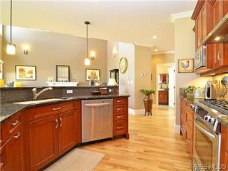 Photo 8: 1121 Bearspaw Plat in VICTORIA: La Bear Mountain House for sale (Langford)  : MLS®# 628956