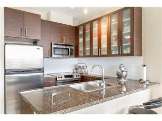 Photo 2: 403 2345 Madison Avenue in Burnaby: Condo for sale : MLS®# V1053047