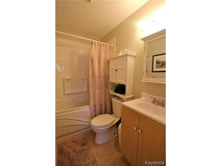 Photo 11: 98 Madera Crescent in WINNIPEG: Maples / Tyndall Park Residential for sale (North West Winnipeg)  : MLS®# 1418851