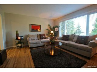 Photo 2: 98 Madera Crescent in WINNIPEG: Maples / Tyndall Park Residential for sale (North West Winnipeg)  : MLS®# 1418851