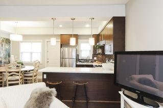 Photo 3: 4176 WELWYN STREET in Vancouver: Victoria VE Townhouse for sale (Vancouver East)  : MLS®# R2041102