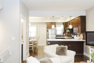 Photo 2: 4176 WELWYN STREET in Vancouver: Victoria VE Townhouse for sale (Vancouver East)  : MLS®# R2041102
