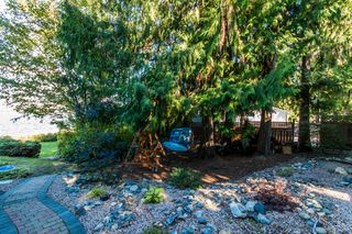 Photo 11: 697 Viel Road in Sorrento: WATERFRONT House for sale : MLS®# 10155772