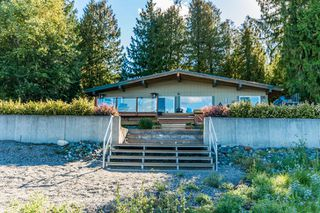 Photo 36: 697 Viel Road in Sorrento: WATERFRONT House for sale : MLS®# 10155772