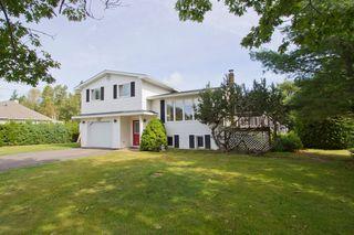 Photo 2: 2 Smith Lane: Sackville House for sale : MLS®# M106840