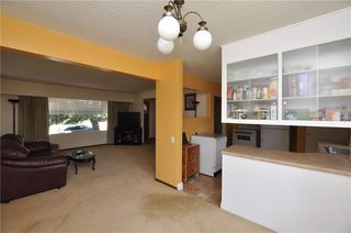 Photo 9: 18 COLUMBIA PL NW in Calgary: Collingwood House for sale : MLS®# C4189155