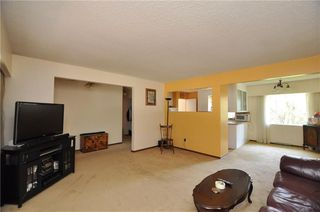 Photo 6: 18 COLUMBIA PL NW in Calgary: Collingwood House for sale : MLS®# C4189155
