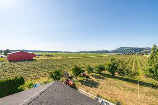 Photo 14: 35563 VYE Road in Abbotsford: Poplar House for sale : MLS®# R2428010