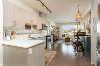 "Photo 3: PH6 388 KOOTENAY Street in Vancouver: Hastings Sunrise Condo for sale in ""View 388"" (Vancouver East)  : MLS®# R2436652"