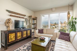 """Photo 1: PH6 388 KOOTENAY Street in Vancouver: Hastings Sunrise Condo for sale in """"View 388"""" (Vancouver East)  : MLS®# R2436652"""