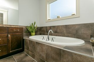 Photo 20: 720 173 Street in Edmonton: Zone 56 House for sale : MLS®# E4188024