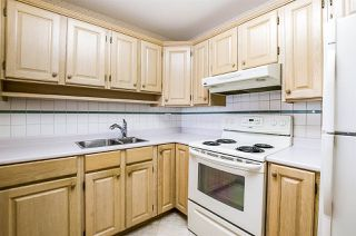 "Photo 12: 204 1220 FIR Street: White Rock Condo for sale in ""Vista Pacifica"" (South Surrey White Rock)  : MLS®# R2447004"