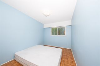 Photo 9: 3676 3678 ST. THOMAS Street in Port Coquitlam: Lincoln Park PQ House for sale : MLS®# R2463655
