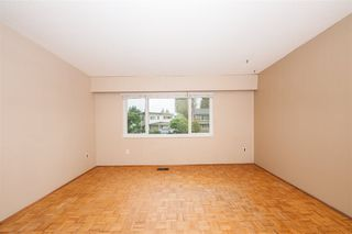 Photo 11: 3676 3678 ST. THOMAS Street in Port Coquitlam: Lincoln Park PQ House for sale : MLS®# R2463655