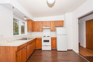 Photo 14: 3676 3678 ST. THOMAS Street in Port Coquitlam: Lincoln Park PQ House for sale : MLS®# R2463655
