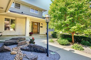 Photo 2: 55 BAY VIEW Drive SW in Calgary: Bayview Detached for sale : MLS®# A1018086