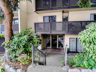 "Photo 3: 302 110 SEVENTH Street in New Westminster: Uptown NW Condo for sale in ""Villa Monterey"" : MLS®# R2493437"