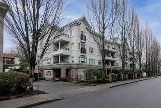 """Photo 11: 106 55 BLACKBERRY Drive in New Westminster: Fraserview NW Condo for sale in """"QUEENS PARK PLACE"""" : MLS®# R2528955"""