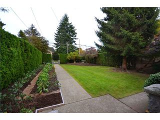"Photo 9: 5897 MACDONALD Street in Vancouver: Kerrisdale House for sale in ""KERRISDALE"" (Vancouver West)  : MLS®# V931581"