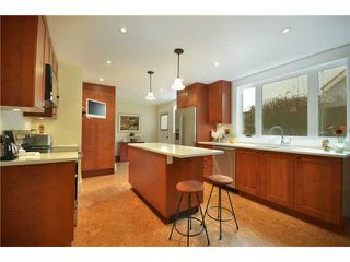 "Photo 5: 5897 MACDONALD Street in Vancouver: Kerrisdale House for sale in ""KERRISDALE"" (Vancouver West)  : MLS®# V931581"