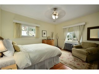 "Photo 6: 5897 MACDONALD Street in Vancouver: Kerrisdale House for sale in ""KERRISDALE"" (Vancouver West)  : MLS®# V931581"