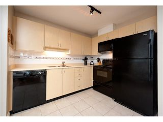 """Photo 3: 330 528 ROCHESTER Avenue in Coquitlam: Coquitlam West Condo for sale in """"THE AVE"""" : MLS®# V939097"""