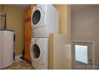 Photo 16: 1456 Edgeware Rd in VICTORIA: Vi Oaklands House for sale (Victoria)  : MLS®# 603241