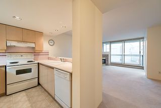 "Photo 17: 508 555 ABBOTT Street in Vancouver: Downtown VW Condo for sale in ""PARIS PLACE"" (Vancouver West)  : MLS®# V985297"
