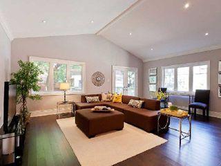 Photo 2: 142 Hilton Avenue in Toronto: Casa Loma Freehold for sale (Toronto C02)  : MLS®# C2742017