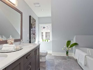 Photo 9: 142 Hilton Avenue in Toronto: Casa Loma Freehold for sale (Toronto C02)  : MLS®# C2742017