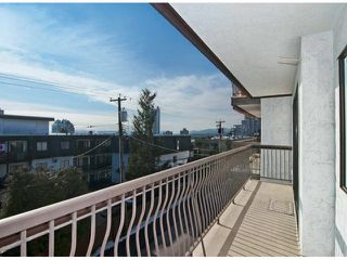 Photo 12: # 205 175 E 5TH ST in North Vancouver: Lower Lonsdale Condo for sale : MLS®# V1049597