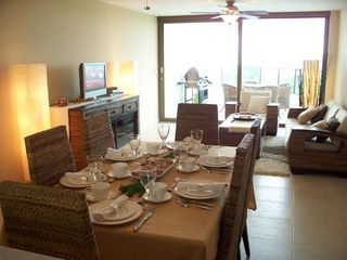 Photo 4: Playa Blanca Resort mid floor ocean view 199K