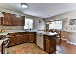 Photo 6: 15825 97A AVENUE in Surrey: Guildford House for sale (North Surrey)  : MLS®# R2047825
