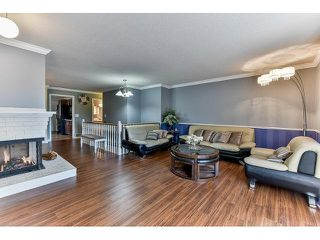 Photo 3: 15825 97A AVENUE in Surrey: Guildford House for sale (North Surrey)  : MLS®# R2047825