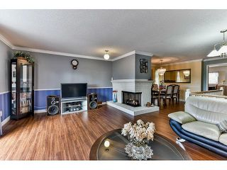 Photo 2: 15825 97A AVENUE in Surrey: Guildford House for sale (North Surrey)  : MLS®# R2047825