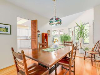 Photo 4: 974 BELVEDERE DRIVE in North Vancouver: Canyon Heights NV House for sale : MLS®# R2106348