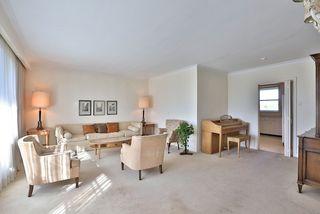 Photo 13: 126 Baycrest Ave in Toronto: Englemount-Lawrence Freehold for sale (Toronto C04)  : MLS®# C3610679