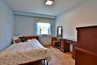 Photo 2: 126 Baycrest Ave in Toronto: Englemount-Lawrence Freehold for sale (Toronto C04)  : MLS®# C3610679