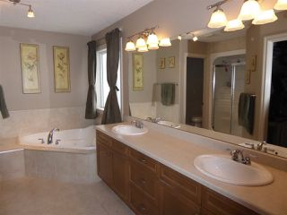 Photo 11: 934 HOPE WY NW in Edmonton: Zone 58 House for sale : MLS®# E4041259